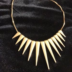 Express gold spike necklace